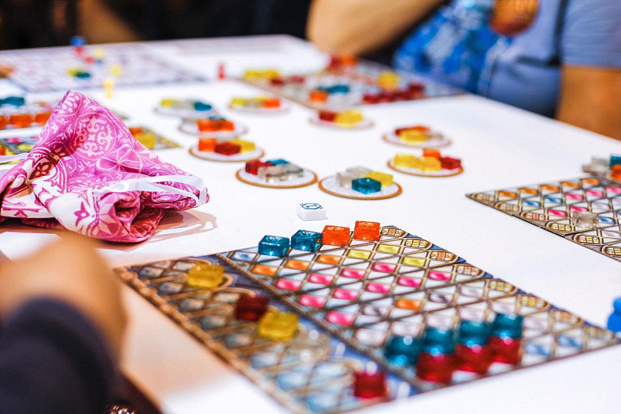 Messe Essen Spiel 2018 Asmodée jeu de société Iello Matagot ludiste azul game