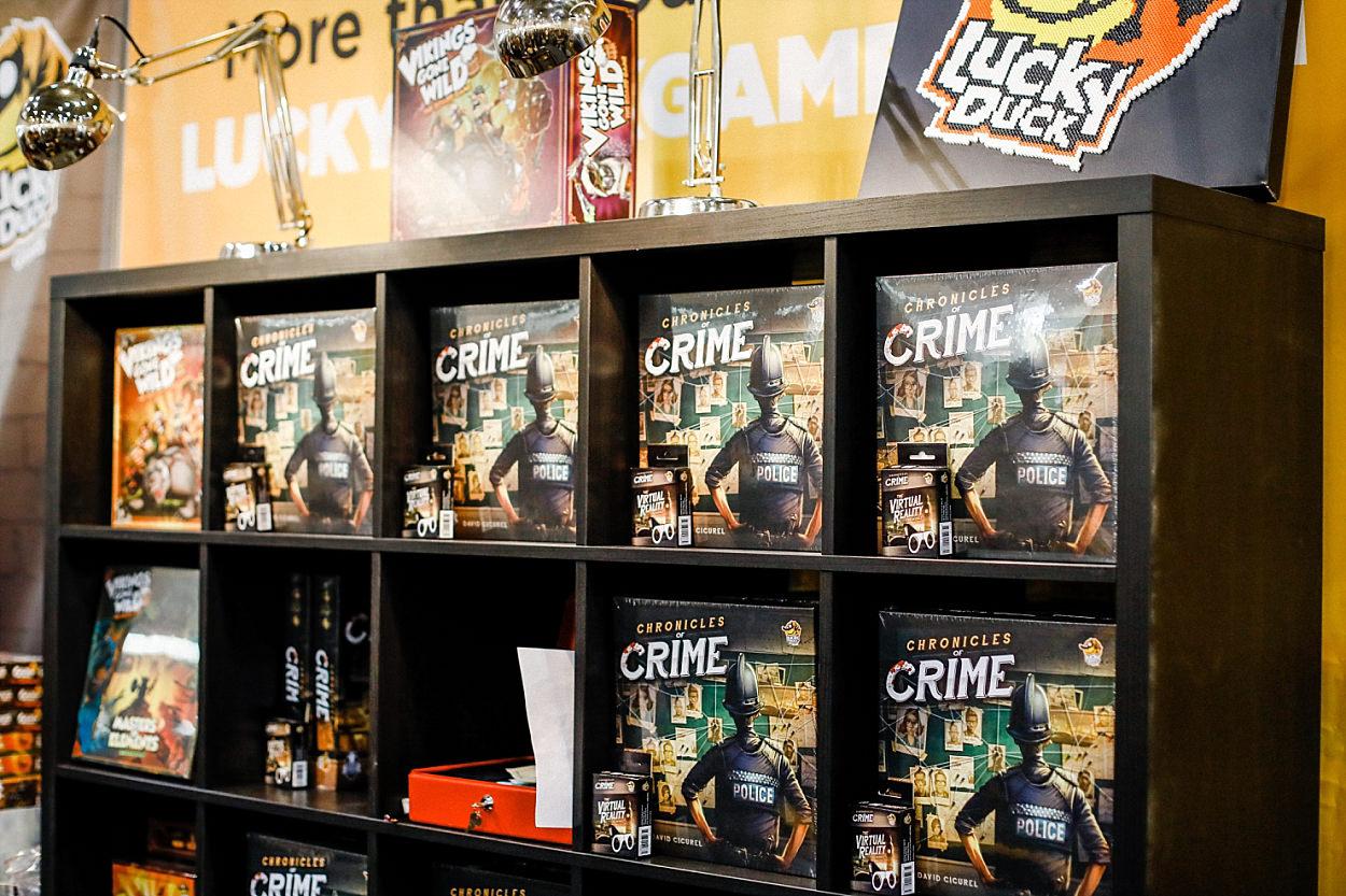 Messe Essen Spiel 2018 Asmodée jeu de société Iello Matagot ludiste chronicles of crime lucky duck